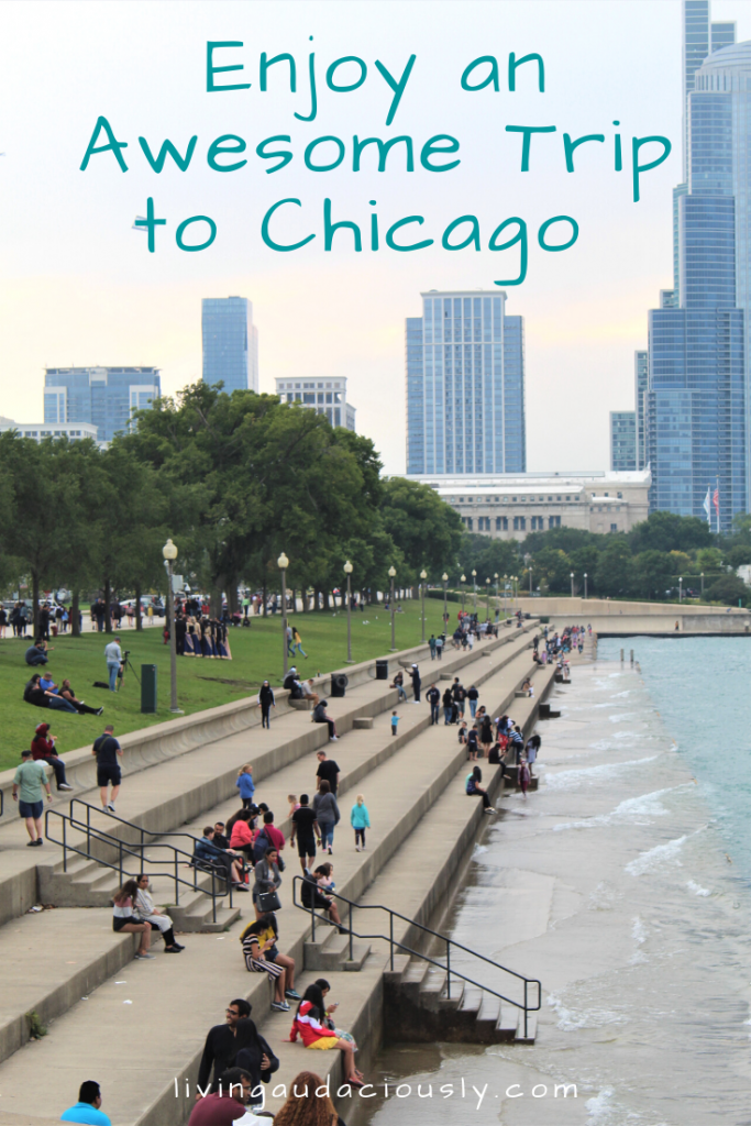 A visit to Chicago, Illinois can include things to do like seeing the skyline, shopping, river tours, eating, or going to a game! Make sure to check out these 15 things the next time you visit Chicago!  #chicago  #wrigley #illinois #lincolnpark #navypier