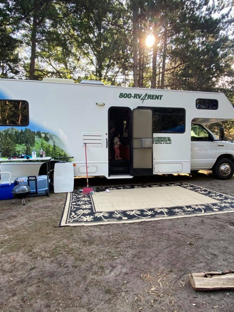 There were beautiful trees and birds all around the campgrounds, but not too overwhelming at the sites so it was easy to get the RV parked.
