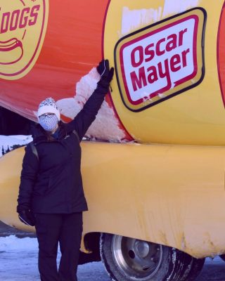 An event isn't complete without a visit from the Oscar Mayer Wienermobile 🤣🤣   I was very cold, but the masks helped keep my face warmer.....but I couldn't stop fogging up my glasses!!!!👓   Have you seen the weinermobile? 🌭