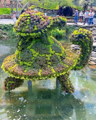 Do you need someone to help carry you through the week? I loved these adorable creations for the flower exhibit at @dollywood  We technically missed the festival, but they were setting up when we were there so we got a sneak peek!