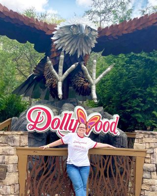 Fly away with me.....to Dollywood🦋